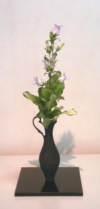 葉蘭の葉組を応用した擬宝珠葉組(花はカンパニュラ) 渡部蘆舟